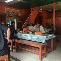 Photo taken at Warung Pojok Pak Tris by voNNce on 2/29/2016