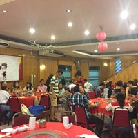 Photo taken at Heng Loong Restaurant 兴隆大酒家 by Michael P. on 8/20/2016