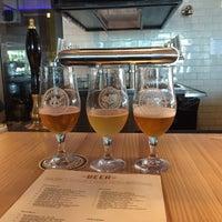 Photo prise au Ballast Point Brewing & Spirits par Chris H. le6/8/2015