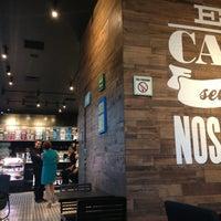 Foto tomada en Cielito Querido Café por Jorge J. el 5/31/2013
