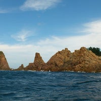Photo taken at 青海島シーサイドスクエア by r s. on 9/14/2014