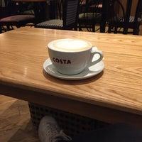 รูปภาพถ่ายที่ Costa Coffee โดย Nerina R. เมื่อ 1/16/2017