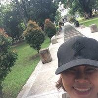 Foto tirada no(a) Benavides Park (Lover's Lane) por Cerene Tianny em 8/7/2016