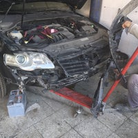 Photo taken at Hemşin Auto Servis by Sait Coban H. on 12/4/2015