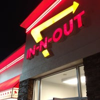 Photo taken at In-N-Out Burger by Shycu on 5/9/2013