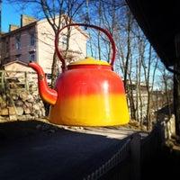 Das Foto wurde bei Sinisen huvilan kahvila von Antitella am 5/3/2013 aufgenommen
