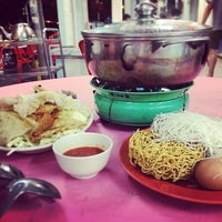 Photo taken at Restaurant Ho Ho Steamboat (好好海鲜火锅之家) by Max C. on 10/24/2016