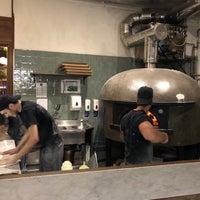 Photo prise au Homeslice Pizza par Tobias F. le8/31/2018