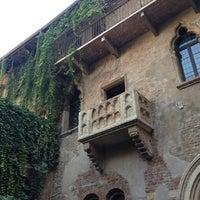 Das Foto wurde bei Casa di Giulietta von Pat S. am 10/21/2012 aufgenommen