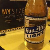 Photo taken at Yellow Cab Pizza Co. by Alex De Vera D. on 6/16/2015