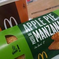 Foto tomada en McDonald's por MF el 12/2/2014