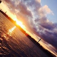 Foto tomada en Playa de la Mar Bella por Lucas G. el 10/26/2013