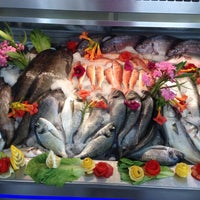 9/6/2014 tarihinde Dutdibi Fish Mekanziyaretçi tarafından Dutdibi Fish Mekan'de çekilen fotoğraf