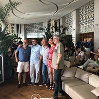 5/3/2018 tarihinde ♎️ EMM .ziyaretçi tarafından Akra Barut Lobby Lounge'de çekilen fotoğraf