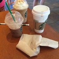 Photo taken at Starbucks by ゆーひん on 10/5/2014