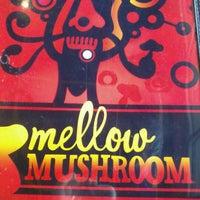 Photo taken at Mellow Mushroom by Priscila D. on 1/27/2013