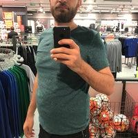 5/8/2017 tarihinde Ömer M.ziyaretçi tarafından Nike Factory Store'de çekilen fotoğraf