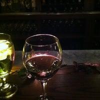 2/12/2013에 Brian B.님이 Cork's Wine Bar에서 찍은 사진