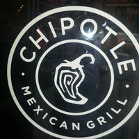 Photo taken at Chipotle Mexican Grill by Esteban C. on 6/11/2013
