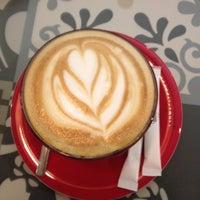 11/15/2014 tarihinde Ayten U.ziyaretçi tarafından Coffeetopia'de çekilen fotoğraf