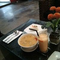 Photo taken at Black Canyon Coffee by Kallista C. on 10/1/2014