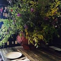 5/6/2017 tarihinde Maria P.ziyaretçi tarafından Can Cisa / Bar Brutal'de çekilen fotoğraf