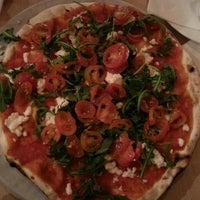 Foto tomada en Solo Pizza por Maria P. el 12/7/2015