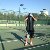 Photo taken at Hillside City Club Tennis Court by KEN🌀N EK$!🌀GLU on 11/9/2013