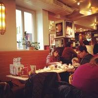 Das Foto wurde bei Cafe Extrablatt von Alexey A. am 2/27/2013 aufgenommen