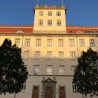Das Foto wurde bei Haus Beuth, Beuth Hochschule für Technik Berlin von Nadja N. am 11/17/2017 aufgenommen