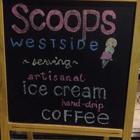 Foto tomada en Scoops Westside por Gerald B. el 10/18/2012