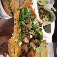 Снимок сделан в Los Tacos No. 1 пользователем jennifer s. 3/10/2018