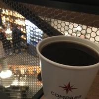 12/26/2016 tarihinde Mark P.ziyaretçi tarafından Compass Coffee'de çekilen fotoğraf