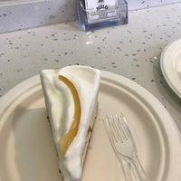 12/7/2017 tarihinde Ela A.ziyaretçi tarafından Melo Cheesecakes & Cookies'de çekilen fotoğraf