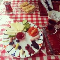 12/19/2012 tarihinde E K.ziyaretçi tarafından Café Faruk'de çekilen fotoğraf