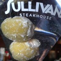 4/28/2013 tarihinde Chrisziyaretçi tarafından Sullivan's Steakhouse'de çekilen fotoğraf