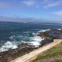 Foto tirada no(a) Cliffs At Ocean Beach por Дмитрий М. em 2/15/2017