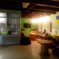 Foto scattata a Veselka Hostel da Tomochka Y. il 11/21/2014
