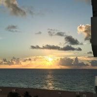 Foto scattata a Loews Miami Beach Hotel da Pati A. il 8/9/2013