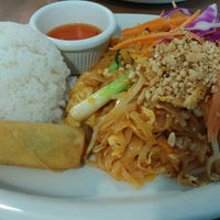 Photo taken at Chilli Thai | ORDER FOOD ONLINE by Beni B. on 3/8/2016