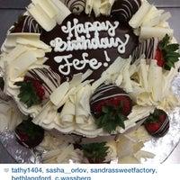 Foto tirada no(a) Daniel's Bakery por Catia D. em 12/21/2014