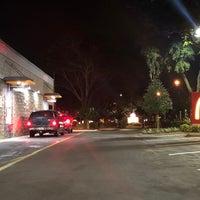 Foto tirada no(a) McDonald's por Johnnie W. em 8/15/2018