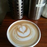 Снимок сделан в Café Grumpy пользователем Brad G. 4/13/2013