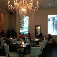 Foto tirada no(a) Meli Restaurant por kiran l. em 7/14/2013