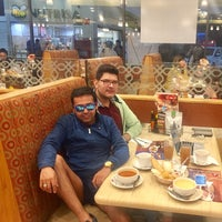Photo taken at Vips by Lafayette R. on 10/16/2016