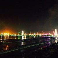 Photo taken at 송도해수욕장 by So E. B. on 9/21/2014