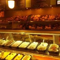 2/3/2013 tarihinde Mike D.ziyaretçi tarafından Brooklyn Bagel & Coffee Co.'de çekilen fotoğraf
