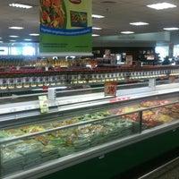 Foto tirada no(a) Sonda Supermercado por Murilo F. em 1/17/2013