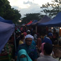 Photo taken at Pasar Malam Taman Selasih by Syameer Z. on 1/21/2016