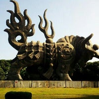 Photo taken at Sihai Park by 烧坏的内存条 on 11/10/2012